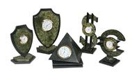 Часы настольные (уральский резной камень)